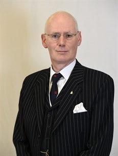 Allan Lapsley – Director